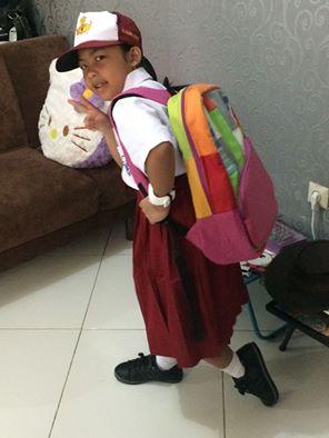 Sekolah hari pertama Alia.jpg